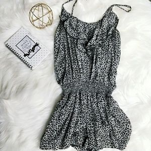 Leopard Print Romper with Pockets!